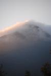 霧と由布岳.jpg
